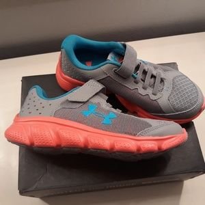 Under Armour Size 1Y